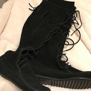 These moccasin boots are the cutest!